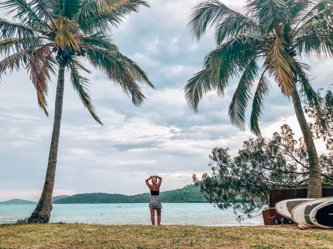 Hét hoogtepunt: Whitsunday Island Dit is echt in 1 woord MAGISCH! Wat een geweldige trip en voor mij was dit veruit het hoogtepunt van de reis. Ik zou ook echt aanraden om deze trip met 'Ride to Paradise' te doen met als opstap in Airlie Beach. Alles is top geregeld en je komt er niks te kort. Het is een prachtig resort pal aan het water waar alleen de mensen van de trip zitten dus je komt er echt tot rust. Er wordt heerlijk eten bereid gedurende de hele trip en het is echt even luxe genieten van al het moois. Tijdens deze trip ga je met een boot langs diverse spots om te snorkelen. Elke spot is weer anders en je komt er zo veel moois tegen, van kleine visjes zoals Nemo tot reuzenschildpadden. De laatste stop was bij het paradijs op aarde namelijk Whitehaven Beach. Hier vind je de witte stranden, blauw water en een oase van rust.