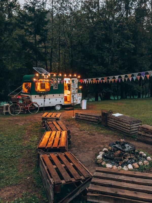 Glamperen bij Eco River Camp
