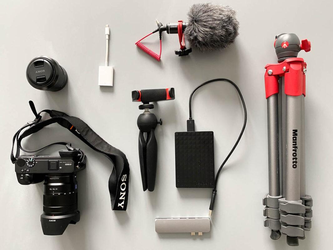 Reiscamera en accessoires voor op vakantie | camera, compact statief voor op reis, Rode microfoon