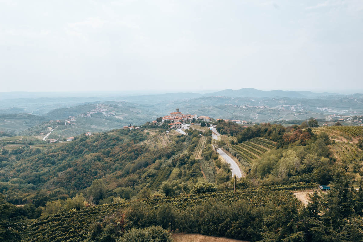 Wat te doen in wijnregio Brda? Beklim de Gonjace toren tijdens een roadtrip door Slovenie